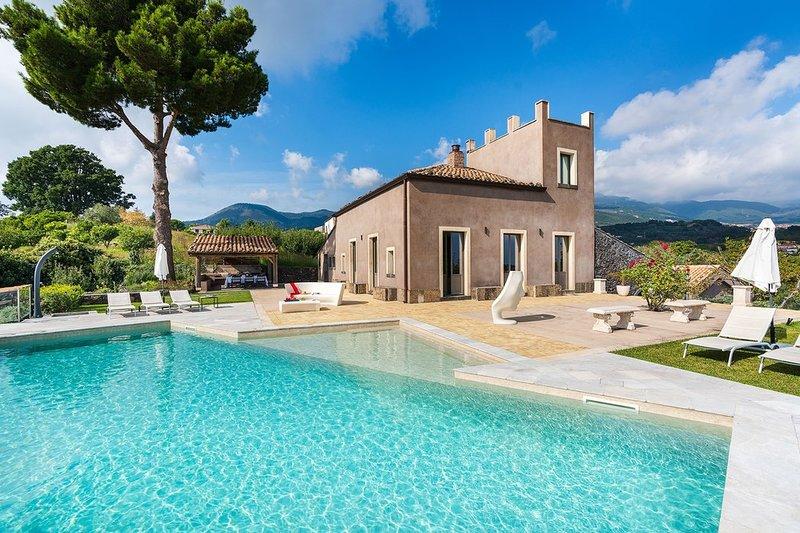 Villa Vulcano, holiday rental in Militello in Val di Catania