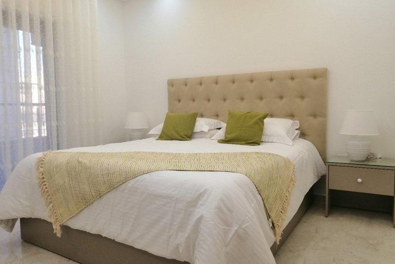 Amazing one Bedroom Apartment in Amman, Elwebdah 5, location de vacances à Al Jubaihah
