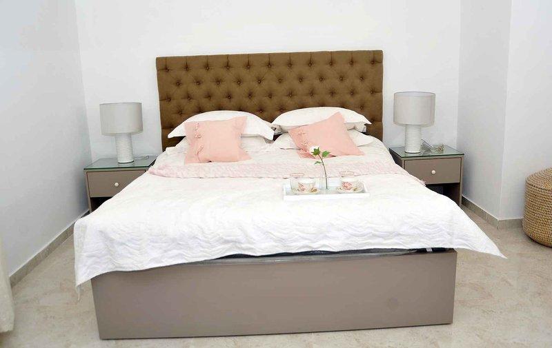 Amazing one Bedroom Apartment in Amman,Elwebdah 10, holiday rental in Ar-Rusaifa