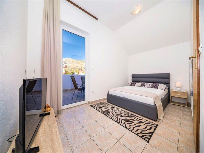Apartment Sensa Trogir, casa vacanza a Plano