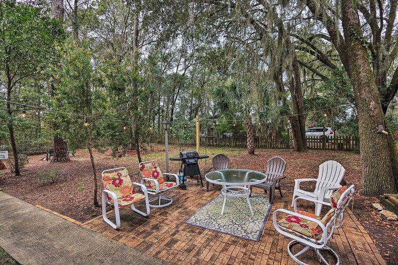 Pet-Friendly Home. Short Walk to Scenic Overlook!, location de vacances à Seabrook