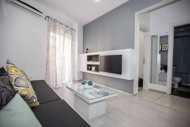 BWP - Thessaloniki Center · BlueWavePlace Thessaloniki - City Center, holiday rental in Ampelokipoi