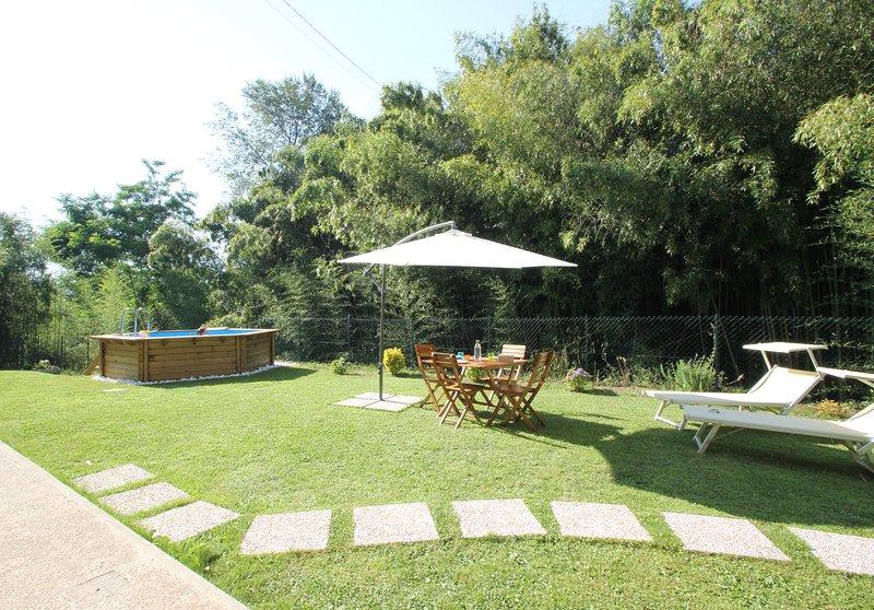 Nice villa with swimming-pool, holiday rental in Ripa-Pozzi-Querceta-Ponterosso