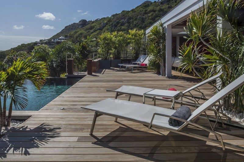 Villa Black Pearl | Ocean View - Located in Tropical Marigot with Private Pool, location de vacances à Marigot