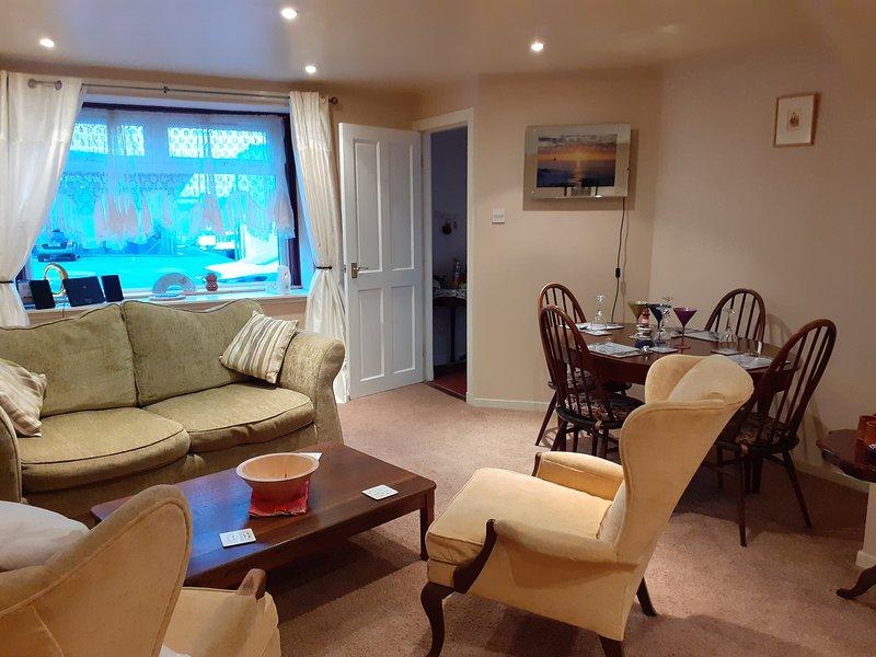 2 Bed Apartment 2 mins walk away from the Beach!, location de vacances à Brechin