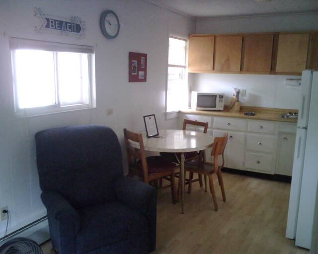 Northwoods Resort Unit 2 - 1 Bedroom, holiday rental in Calumet
