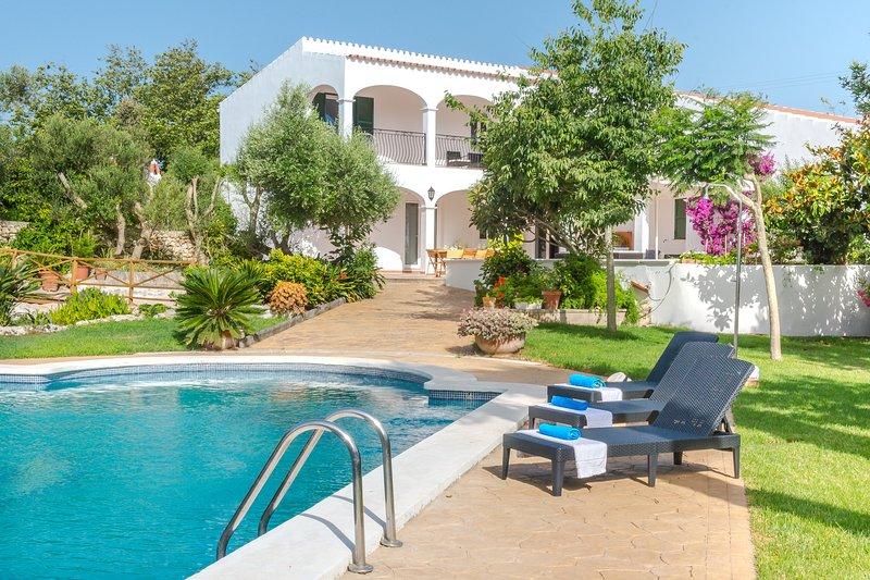 Finca Son Martorellet Big pool and garden. AC, holiday rental in Santo Tomas
