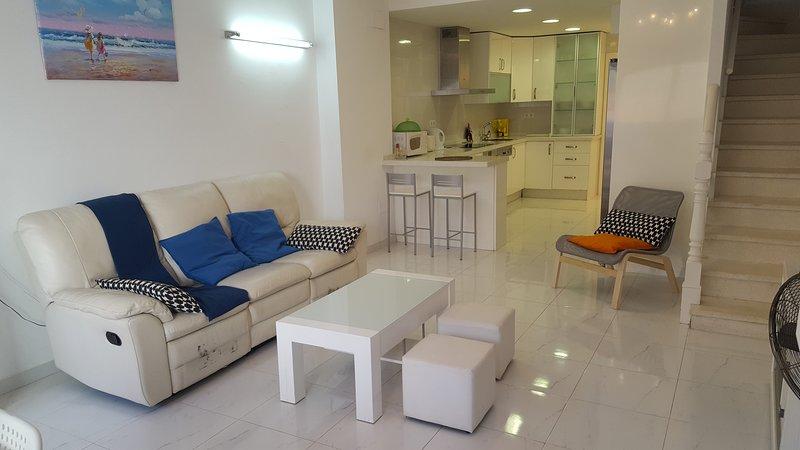 Maison de style Andalous au cœur de Torremolinos à 500m des plages, aluguéis de temporada em Torremolinos