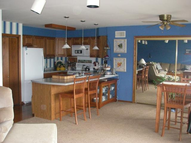 Northwoods Resort Unit 9 - 2 Bedrooms, holiday rental in Calumet