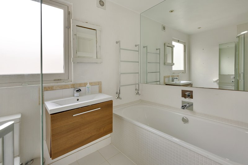 2 Bed Eco Apt, Hammersmith London, vacation rental in Hounslow