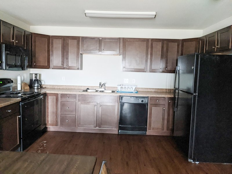 Comfortable 2bd, 2ba serviced Watford City rental!, holiday rental in Keene