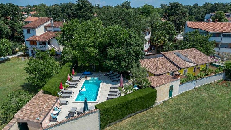 Ferienhaus 4928-10 für 4+1 Pers. in Porec, vacation rental in Stancija Vodopija