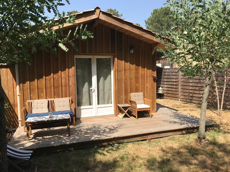 Chalet en bois proche de la forêt, casa vacanza a Mano