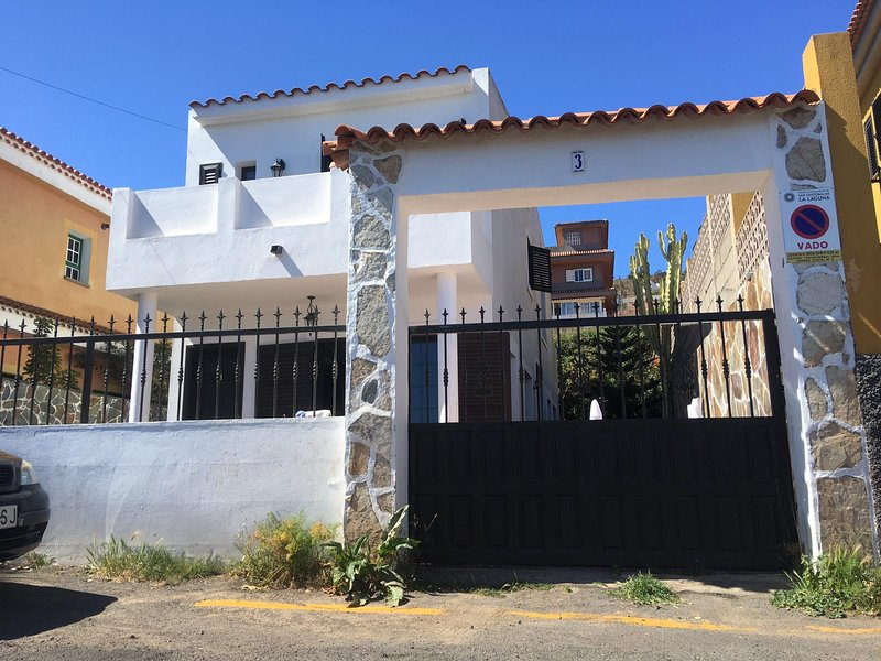 Amazing house with terrace & Wifi, holiday rental in San Cristobal de La Laguna