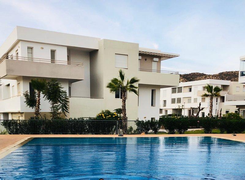 Luxury Beach Apartment - Romantic Weekend Getaway Tafoult residence Imi ouaddar, Ferienwohnung in Imi Ouaddar