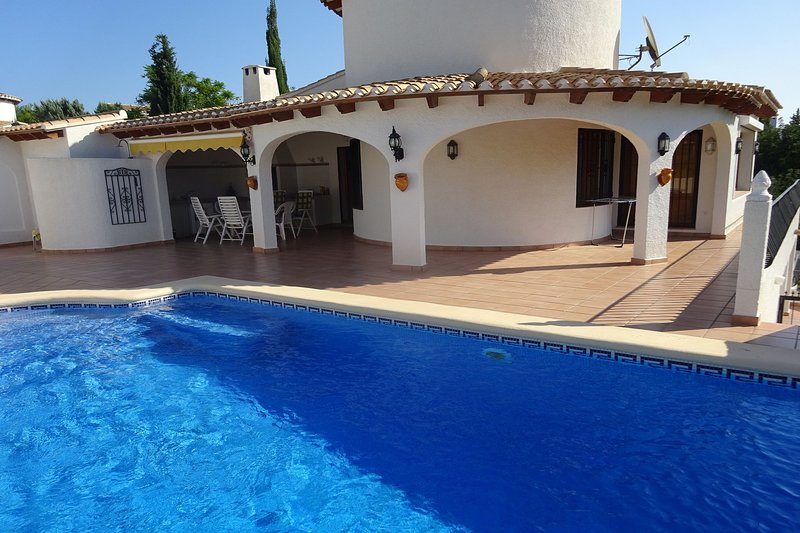 Villa Aurora - bei Denia - Familienurlaub in den Bergen, holiday rental in Monte Pego