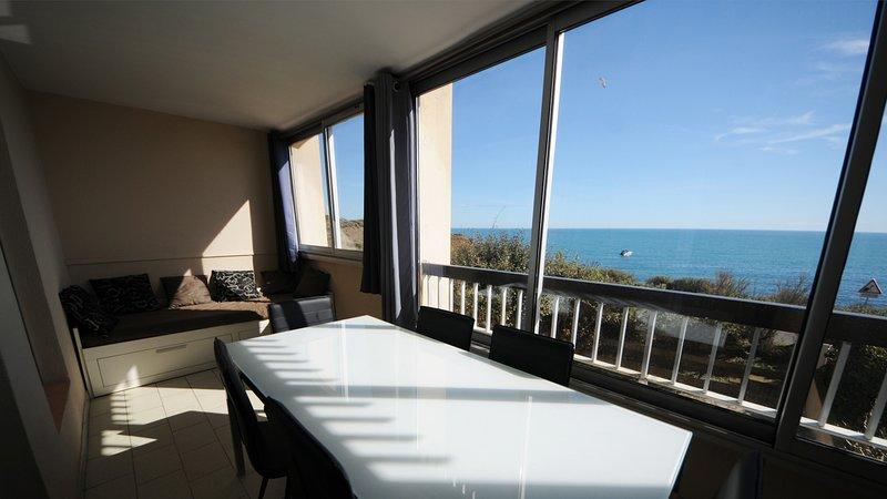 T2 avec loggia fermée - Vue imprenable sur la mer, alquiler vacacional en Cap-d'Agde
