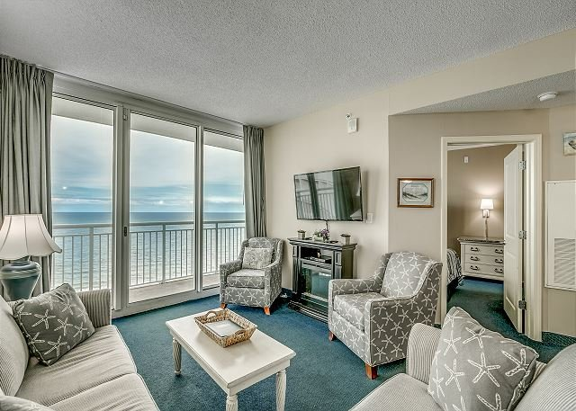 Oceanfront, corner end unit at a great resort + FREE DAILY ACTIVITIES!, holiday rental in North Myrtle Beach
