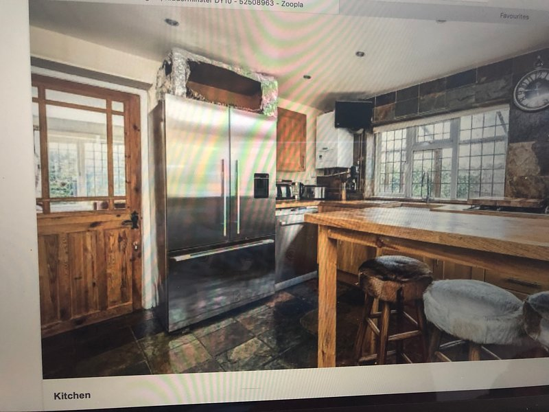 Stunning 4-Bed Cottage, vacation rental in Churchill
