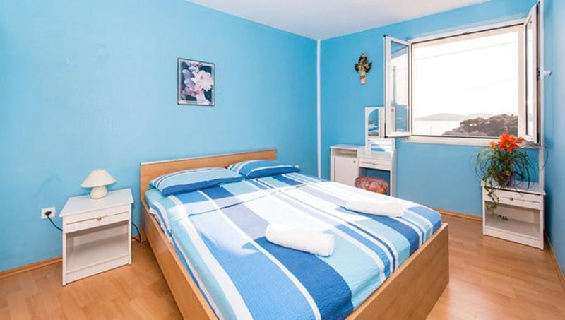 Apartments Matea - One-Bedroom Apartment with Sea View, casa vacanza a Stikovica