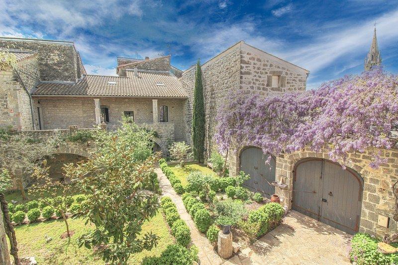 L'Antre de Pierres - Maison de charme en Ardèche Méridionale - 18 couchages, aluguéis de temporada em Berrias et Castejau
