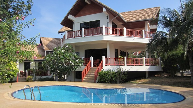 Viewpoint Residence Villa Koh Samui, alquiler vacacional en Plai Laem