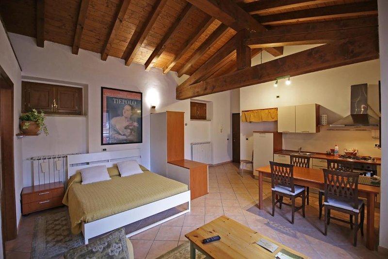 Studio in Monticelli Brusati, Ferienwohnung in Calino