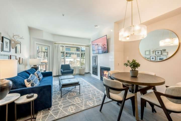 Bright and Spacious professionally designed and renovated in 2020! Ski-In/Ski Out Luxury home with new appliances in the kitchen, new king size bed an