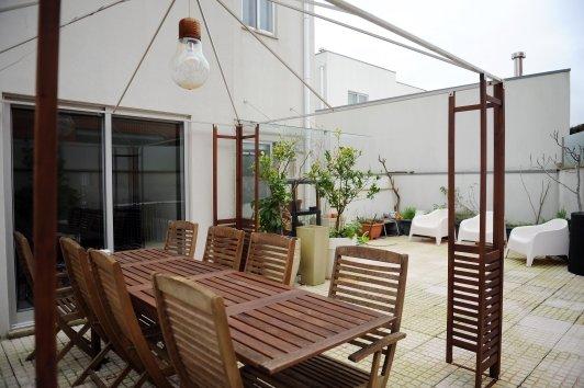 Spacious apartment near the beach, location de vacances à Cortegaca