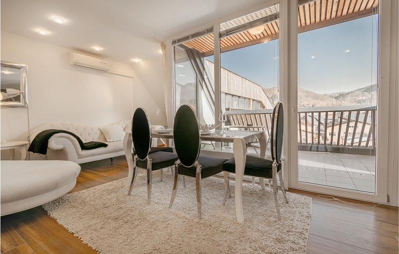 Beautiful home in Bohinjska Bistrica with WiFi and 1 Bedrooms (SGR134), location de vacances à Cerkno