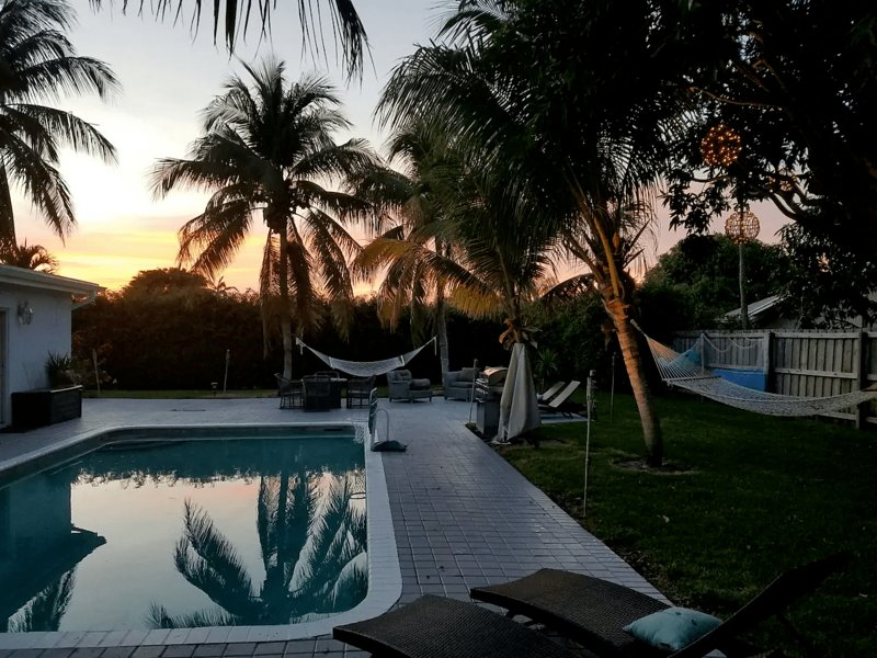 Oasis - Heated Pool. Excellent Reviews & Location, vacation rental in Boynton Beach