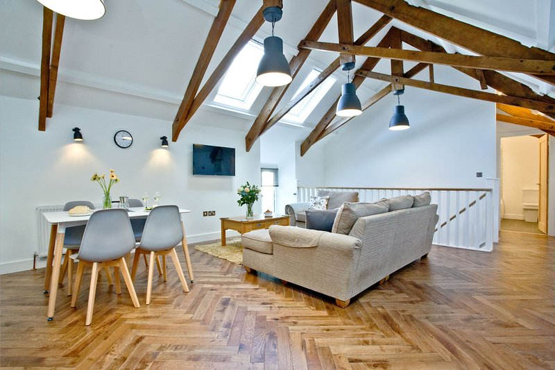 The Barn, 22 At The Beach - This former coach barn has been beautifully refurbis, vacation rental in Slapton