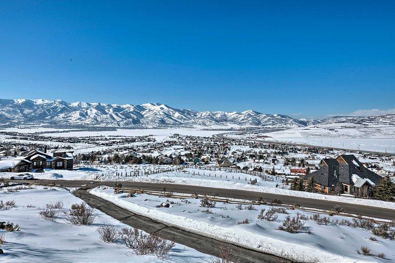 Du kommer bara en kort bilresa från sluttningarna av Park City Mountain!