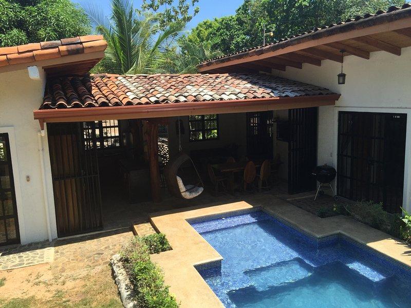 Villa La Pina!!!! Outdoor Living At Its Best!!!!!!, location de vacances à Esterillos Oeste