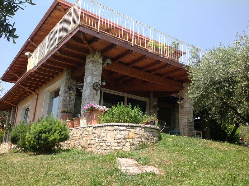 Villa Rosa Camuna with Private Pool, vacation rental in Soiano Del Lago