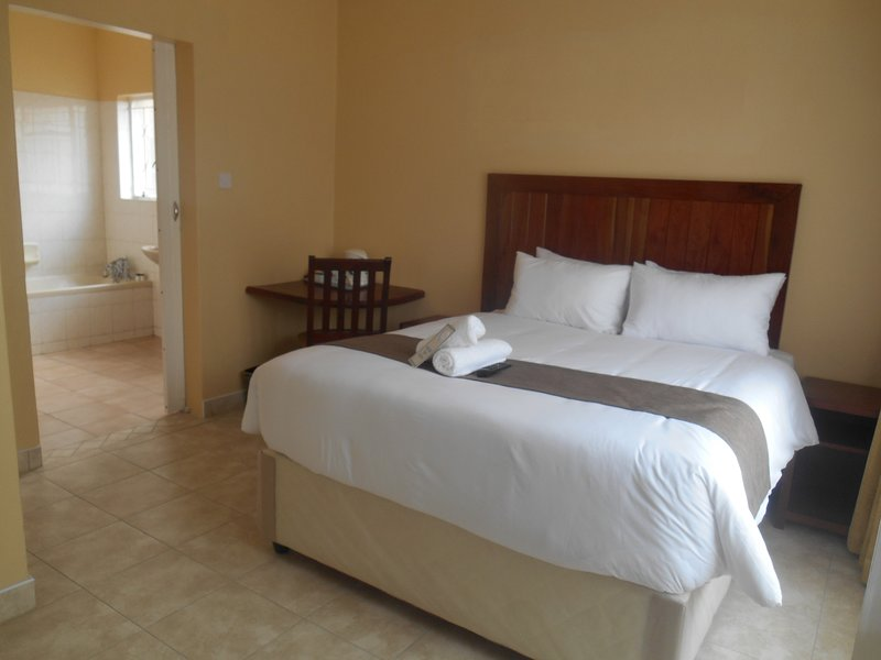 Pebble Rock Lodge Room 2, vacation rental in Bulawayo