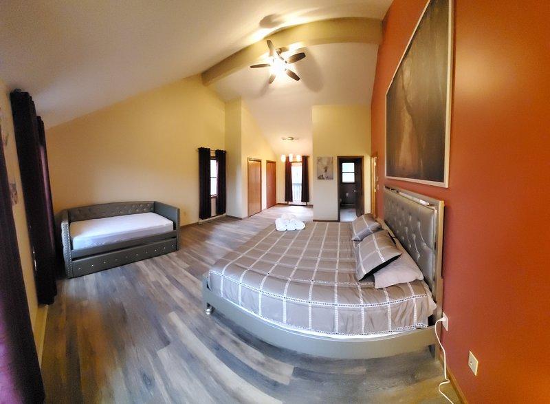 Secluded#Pool#HotTub#Sauna#Games, holiday rental in Saylorsburg