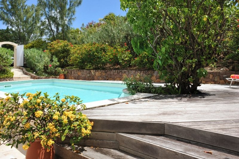 Villa Lin   Ocean View - Located in Wonderful Pointe Milou with Private Pool, vacation rental in Pointe Milou