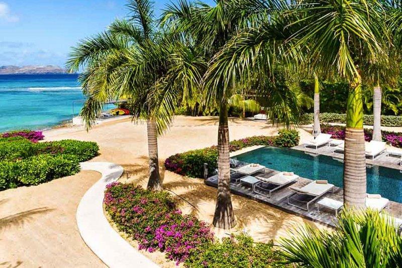 Villa Palm Beach | Beach Front - Located in Fabulous Lorient Beach with Privat, alquiler de vacaciones en Anse de Lorient