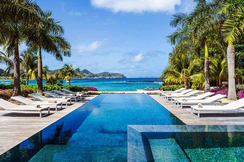 Villa Palm Beach | Beach Front - Located in Wonderful Lorient Beach with Priva, alquiler de vacaciones en Anse de Lorient