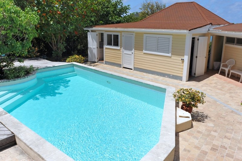 Villa Lin   Ocean View - Located in Magnificent Pointe Milou with Private Pool, vacation rental in Pointe Milou