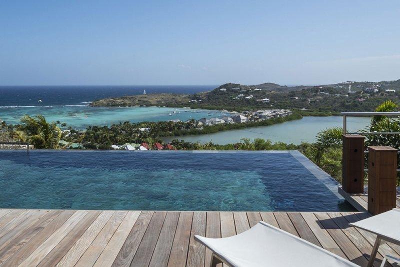 Villa Black Pearl | Ocean View - Located in Exquisite Marigot with Private Poo, Ferienwohnung in Marigot