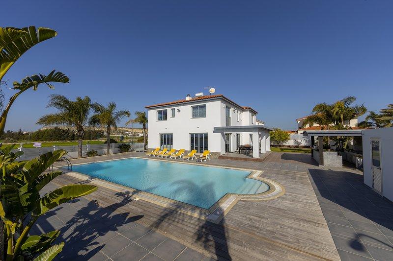 Larnaca Villa Zoe, alquiler vacacional en Oroklini