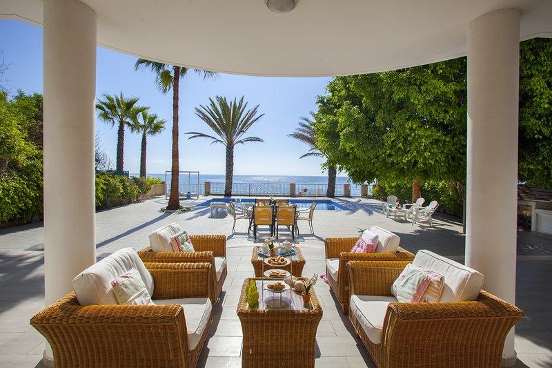 Sunset Beachfront Villa Meneou, holiday rental in Pervolia