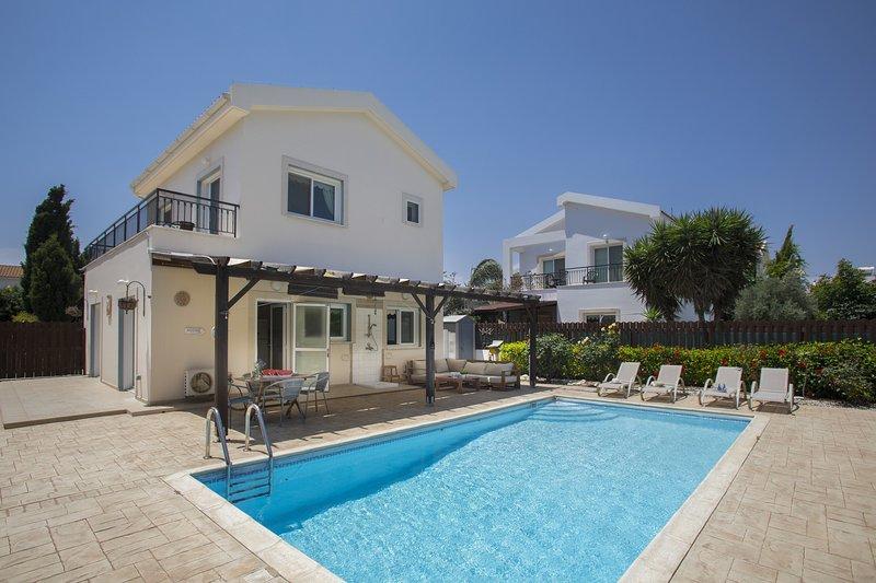 Villa Napa Gardens, holiday rental in Liopetri