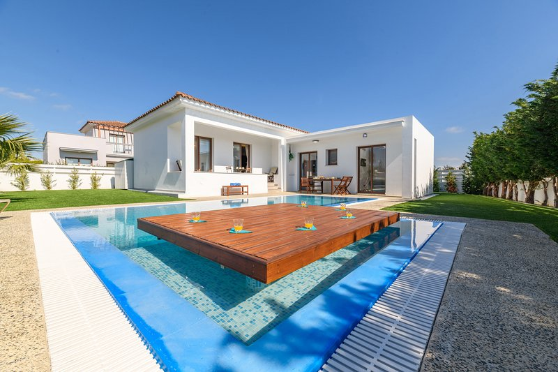 Napa Sunlight Villa, vacation rental in Ayia Napa