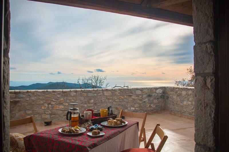 Ilia Mani Villa, Luxury Retreat, holiday rental in Ano Doli