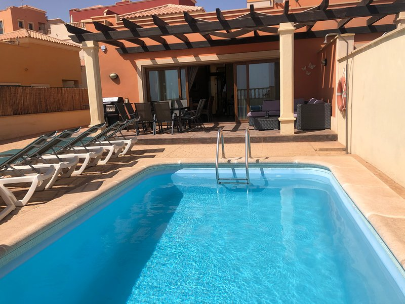 Villa, holiday rental in Caleta de Fuste