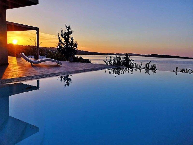 Villa Diamante by Olive Villa Rentals, vacation rental in Thermisia