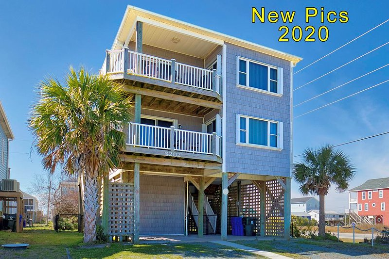 5th Avenue 8202 Oceanview!   Pet friendly, Internet, Jacuzzi, holiday rental in North Topsail Beach